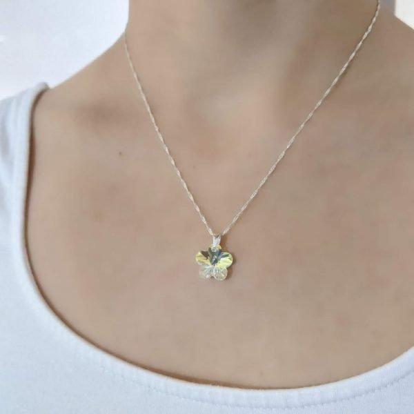 Collar Swarovski flor