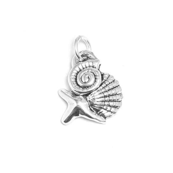 Dije estrella de mar, ostra y caracol