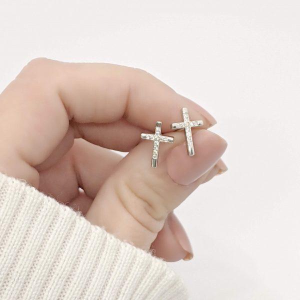 Aros cruz con cristales